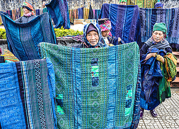 Ladies in Market Sapa
